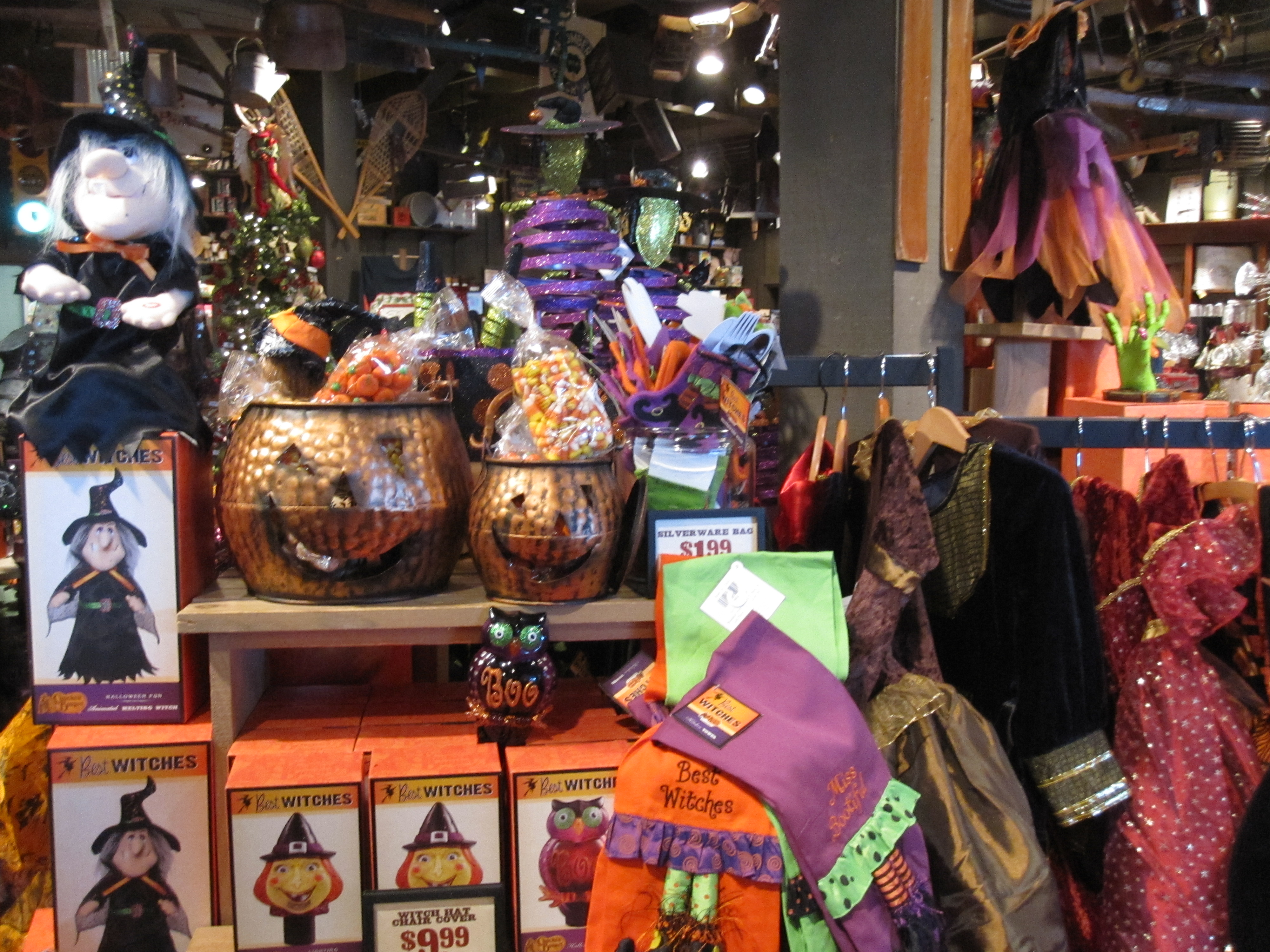 Cracker Barrel Halloween Decorations