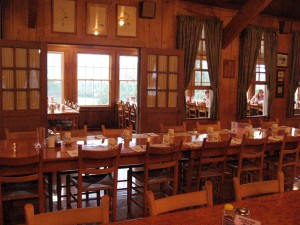 The dining room at Graves Mountain Lodge